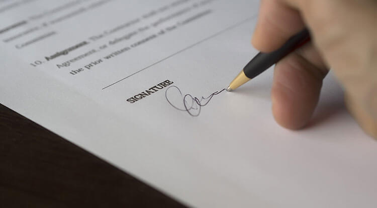 Notarised Translation - Document Signature